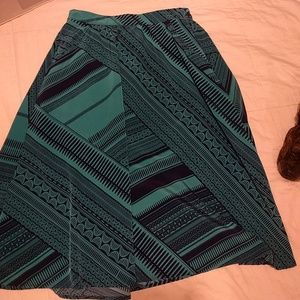 Old Navy skirt WITH POCKETS!!